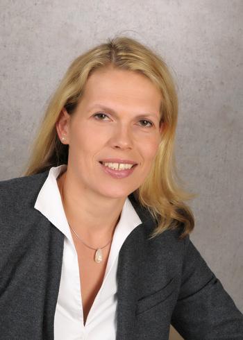 Abteilungsleiterin für Mikrobiologische Prüfverfahren, Dr. rer. med. Claudia Hildebrandt
