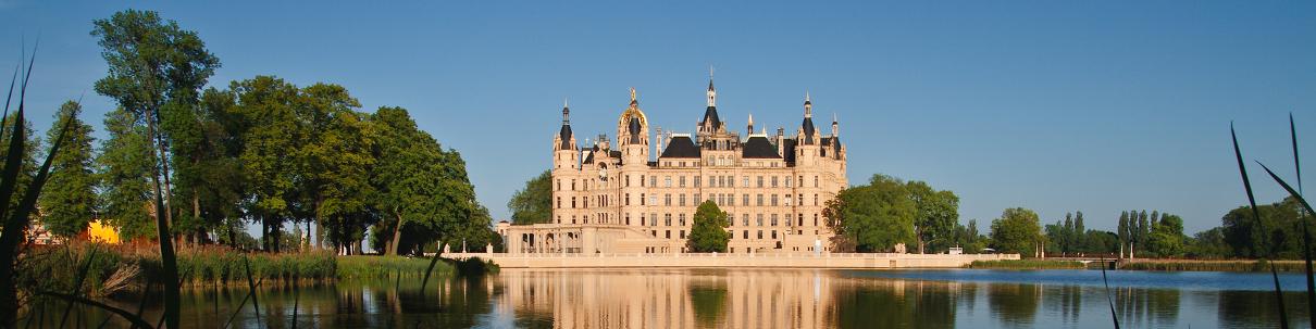 Schweriner Schloss in der Panoramaansicht
